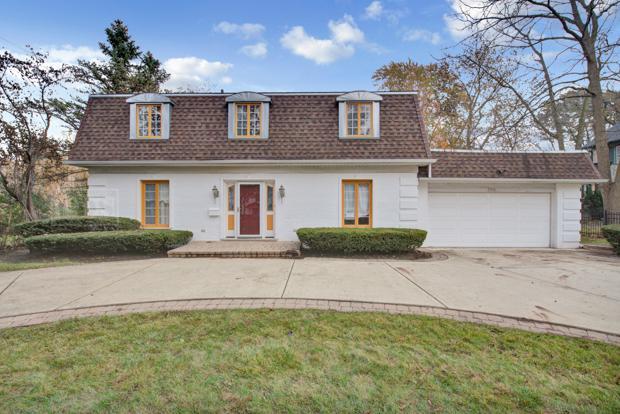 734 Illinois Road, Wilmette, IL 60091 (MLS #09800467) :: Helen Oliveri Real Estate