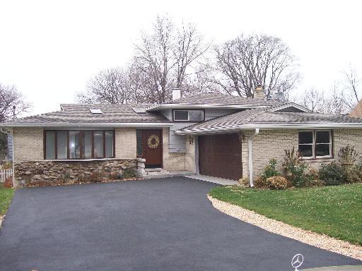 5708 Wolf Road, Western Springs, IL 60558 (MLS #09801706) :: The Wexler Group at Keller Williams Preferred Realty