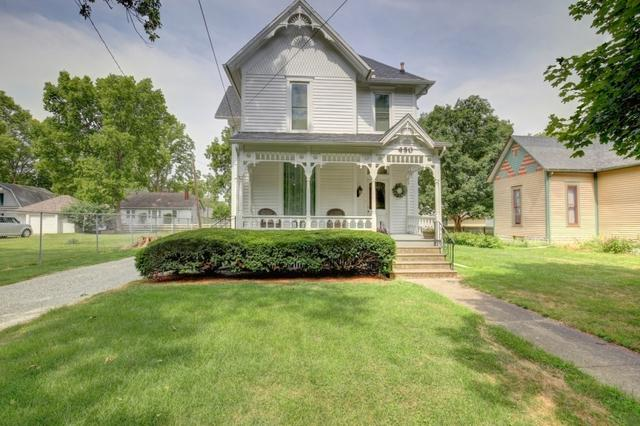450 S Charter Street, MONTICELLO, IL 61856 (MLS #09801859) :: Littlefield Group