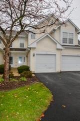 113 Canterbury Court, Oswego, IL 60543 (MLS #09802269) :: The Dena Furlow Team - Keller Williams Realty