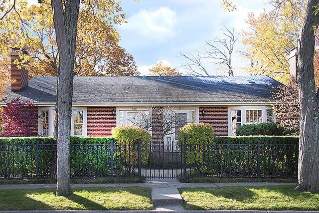 929 Westerfield Drive, Wilmette, IL 60091 (MLS #09802531) :: Helen Oliveri Real Estate