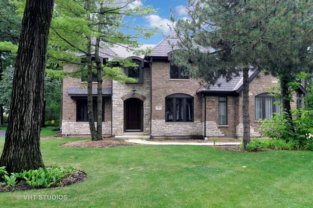 17 N Portshire Drive, Lincolnshire, IL 60069 (MLS #09802581) :: Helen Oliveri Real Estate