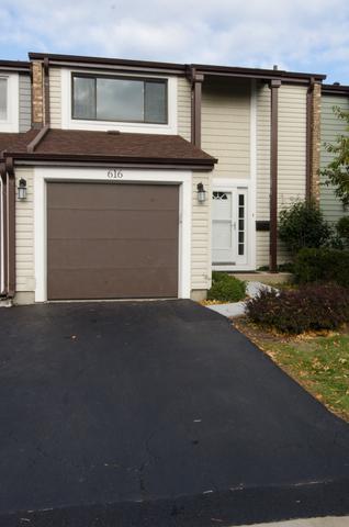 616 Westwood Court, Wheeling, IL 60090 (MLS #09802855) :: Helen Oliveri Real Estate