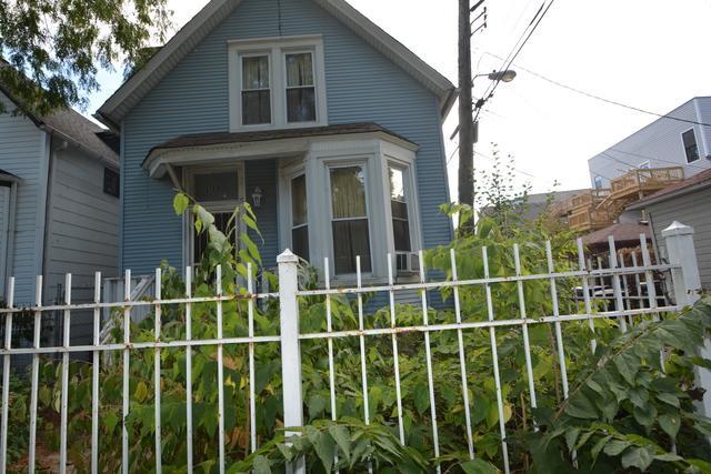 3123 W Cortland Street W, Chicago, IL 60647 (MLS #09803006) :: Domain Realty
