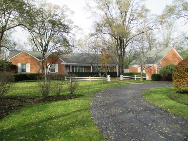 210 Coach Road, Northfield, IL 60093 (MLS #09803010) :: Helen Oliveri Real Estate