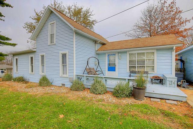 212 S Water Street, ST. JOSEPH, IL 61873 (MLS #09803128) :: Littlefield Group
