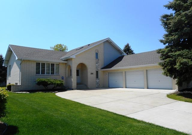 8045 Piute Trail, Tinley Park, IL 60477 (MLS #09803329) :: The Wexler Group at Keller Williams Preferred Realty