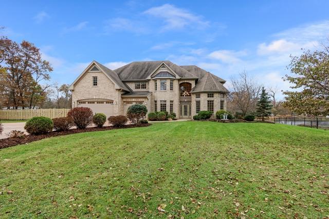 82 N Circle Avenue, Port Barrington, IL 60010 (MLS #09803576) :: Helen Oliveri Real Estate