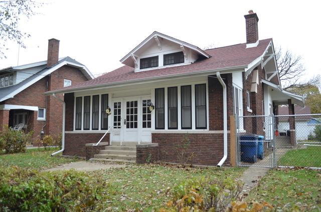 611 Fifth Street, Aurora, IL 60505 (MLS #09803891) :: The Dena Furlow Team - Keller Williams Realty