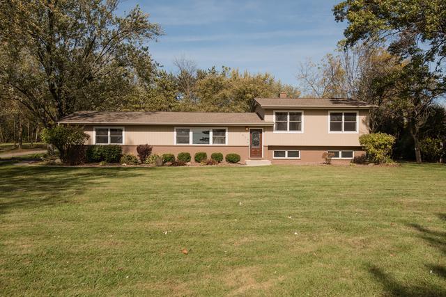 7814 Hillside Road, Crystal Lake, IL 60012 (MLS #09804019) :: Key Realty
