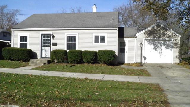 444 Parker Avenue, Aurora, IL 60505 (MLS #09804598) :: The Dena Furlow Team - Keller Williams Realty