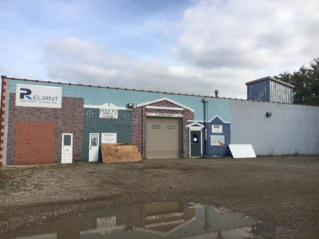 6117 Commercial Road, Crystal Lake, IL 60014 (MLS #09804698) :: Key Realty