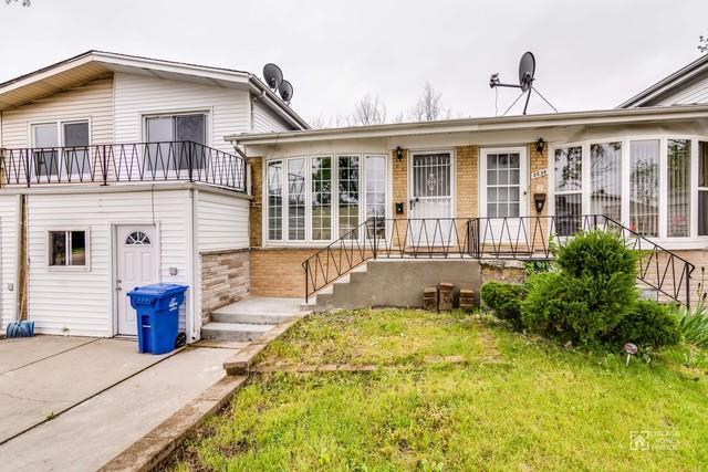 8832 Robin Drive, Des Plaines, IL 60016 (MLS #09804758) :: Helen Oliveri Real Estate