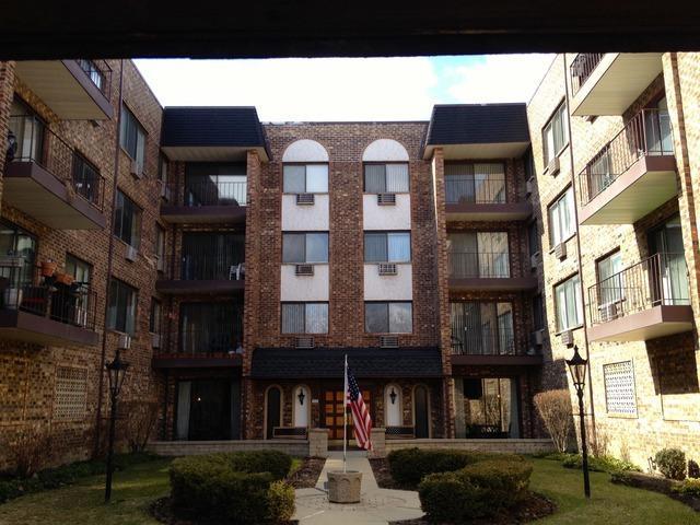 722 Graceland Avenue #304, Des Plaines, IL 60016 (MLS #09804830) :: Helen Oliveri Real Estate
