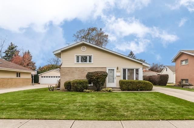 606 N Pine Street, Mount Prospect, IL 60056 (MLS #09805122) :: Helen Oliveri Real Estate