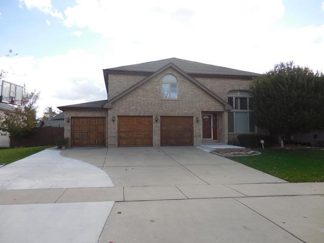 10711 Churchill Drive, Orland Park, IL 60467 (MLS #09805170) :: Key Realty