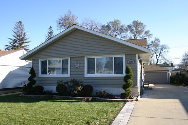 1715 S Chestnut Street, Des Plaines, IL 60018 (MLS #09805877) :: Helen Oliveri Real Estate