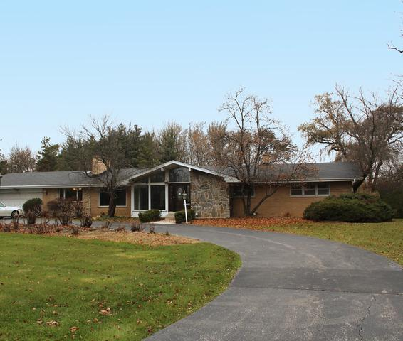 22075 N Old Barrington Road, Barrington, IL 60010 (MLS #09806176) :: Helen Oliveri Real Estate