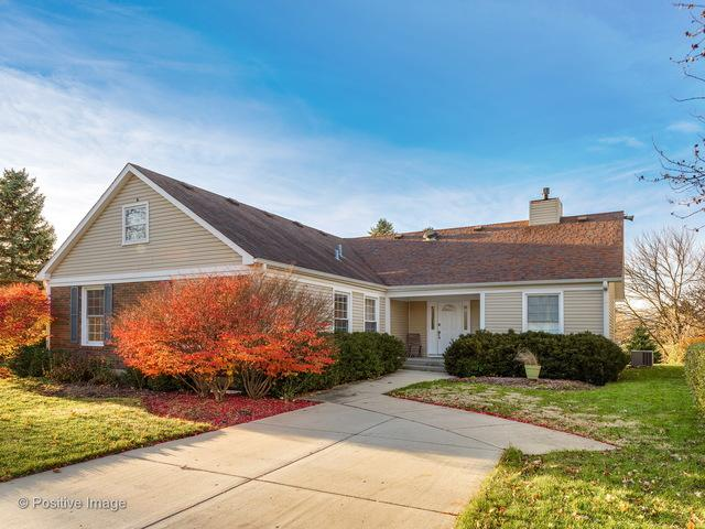 8 Greenvale Road, Vernon Hills, IL 60061 (MLS #09806289) :: Helen Oliveri Real Estate