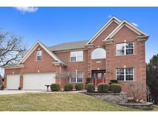 2S395 Golfview Drive, Glen Ellyn, IL 60137 (MLS #09806437) :: Helen Oliveri Real Estate