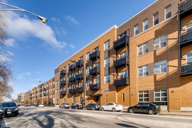 2915 N Clybourn Avenue #406, Chicago, IL 60618 (MLS #09808558) :: The Saladino Sells Team