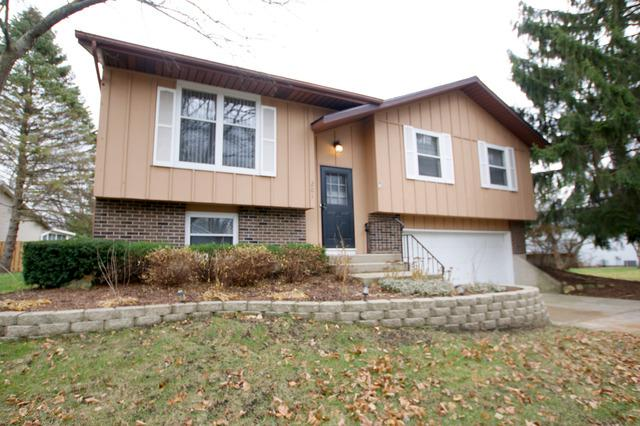 201 S Deerpath Drive, Vernon Hills, IL 60061 (MLS #09812602) :: The Schwabe Group