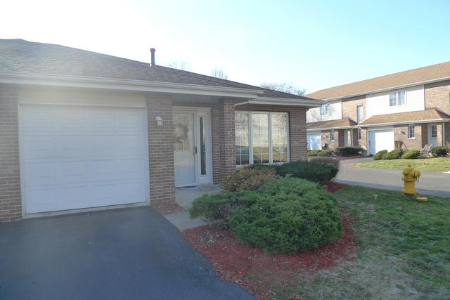 11030 S Roberts Road #6, Palos Hills, IL 60465 (MLS #09813769) :: The Wexler Group at Keller Williams Preferred Realty