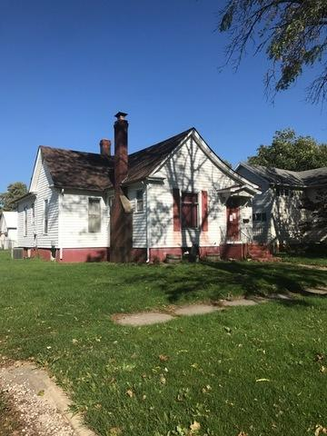 215 E Orleans Street, Paxton, IL 60957 (MLS #09814257) :: The Ryan Dallas Team