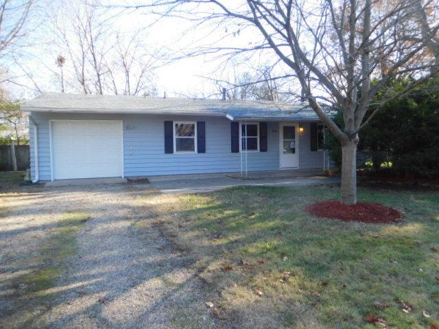 1608 Rosewood Drive, Champaign, IL 61821 (MLS #09814380) :: Littlefield Group