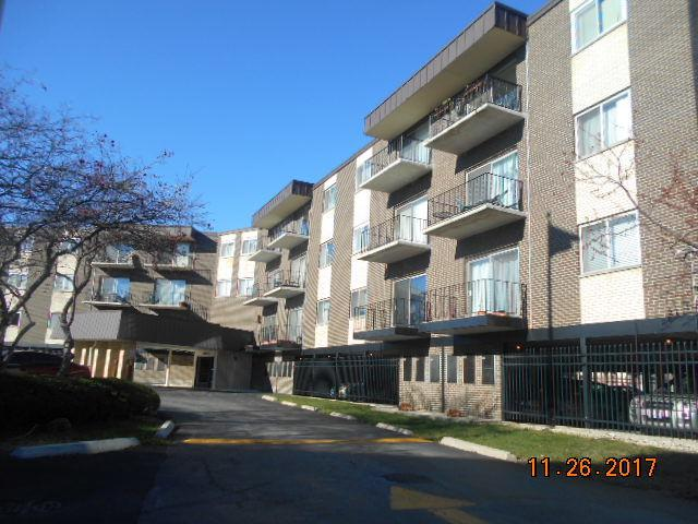 9820 S Pulaski Road #112, Oak Lawn, IL 60453 (MLS #09814853) :: The Wexler Group at Keller Williams Preferred Realty