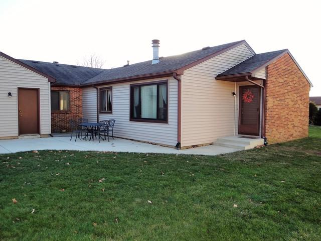 2712 Heritage Drive #2712, Champaign, IL 61822 (MLS #09814879) :: Littlefield Group
