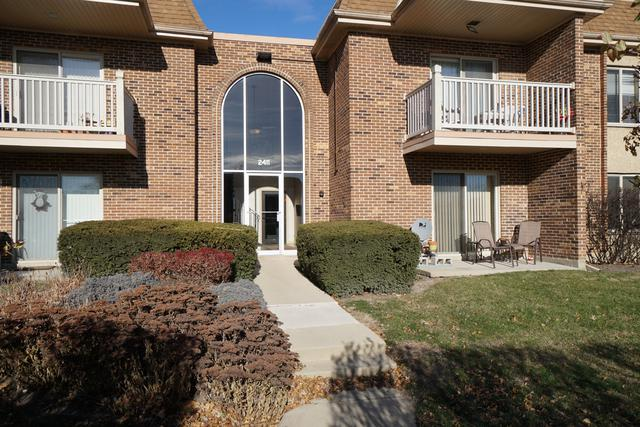 2411 N Kennicott Drive 2A, Arlington Heights, IL 60004 (MLS #09815332) :: The Schwabe Group