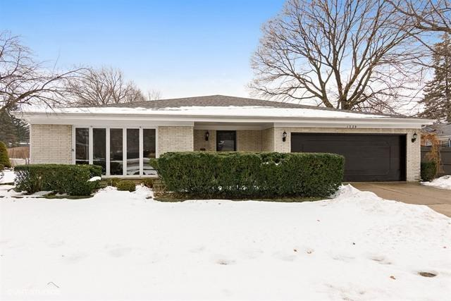 1539 W Lonnquist Boulevard, Mount Prospect, IL 60056 (MLS #09815589) :: Helen Oliveri Real Estate