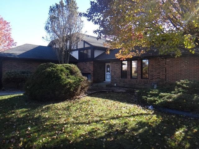 8133 Uxbridge Drive, Orland Park, IL 60462 (MLS #09816079) :: Littlefield Group