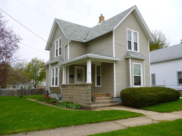 551 Warren Avenue, Belvidere, IL 61008 (MLS #09816819) :: Key Realty