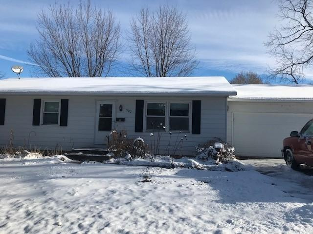 302 Sunset Drive, Polo, IL 61064 (MLS #09816975) :: Littlefield Group