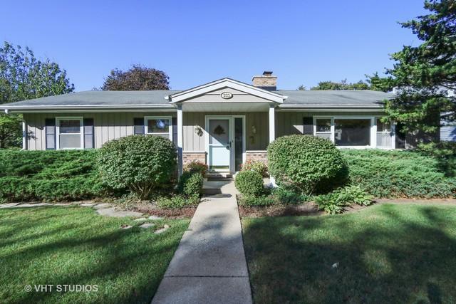 333 Butterfield Lane, Libertyville, IL 60048 (MLS #09817057) :: Helen Oliveri Real Estate