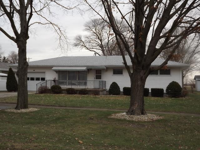 519 N Hartwell Street, Gilman, IL 60938 (MLS #09817556) :: Domain Realty