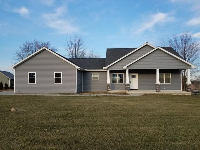 104 Crow Court, Loda, IL 60948 (MLS #09817714) :: Ryan Dallas Real Estate