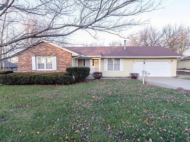 422 Dorchester Drive, Mahomet, IL 61853 (MLS #09818497) :: The Ryan Dallas Team
