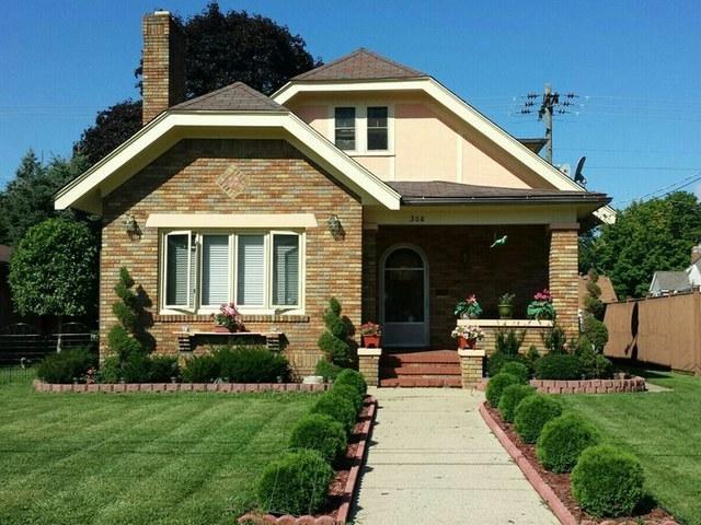 308 Welty Avenue, Rockford, IL 61107 (MLS #09818530) :: Key Realty