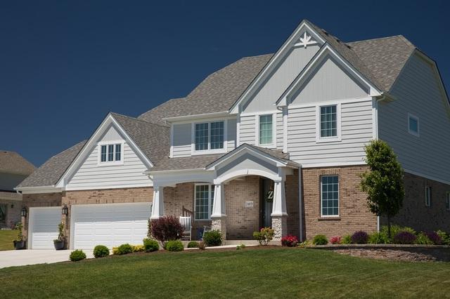 11443 Boulder Drive, Orland Park, IL 60467 (MLS #09819062) :: Helen Oliveri Real Estate