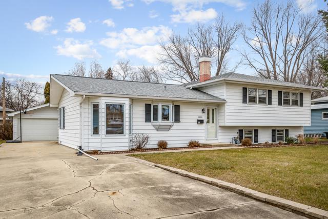 67 Elmwood Drive, Naperville, IL 60540 (MLS #09821570) :: Lewke Partners