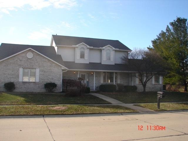 303 W Tomaras Avenue, Savoy, IL 61874 (MLS #09821601) :: The Ryan Dallas Team