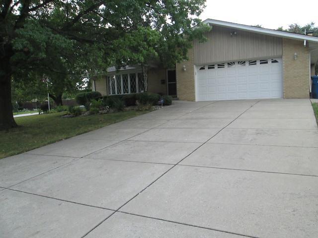 12730 S Winnebago Road, Palos Heights, IL 60463 (MLS #09822131) :: Lewke Partners
