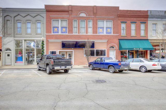 109 Main Street, MONTICELLO, IL 61856 (MLS #09822659) :: Littlefield Group