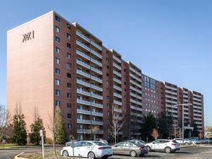 21 Kristin Drive #123, Schaumburg, IL 60195 (MLS #09824987) :: Domain Realty
