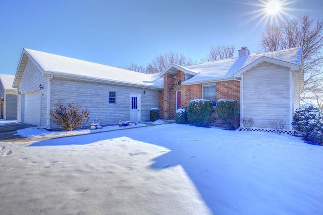 1311 E Center Street, MONTICELLO, IL 61856 (MLS #09825475) :: Littlefield Group