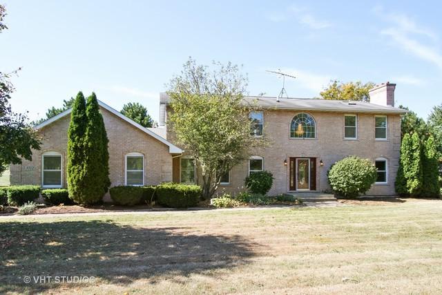 3712 Highview Drive, Crystal Lake, IL 60012 (MLS #09830555) :: Lewke Partners