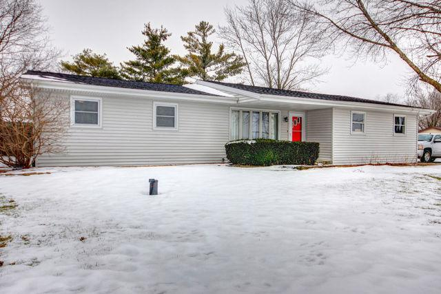 1698 Mable Court, ST. JOSEPH, IL 61873 (MLS #09832171) :: Littlefield Group